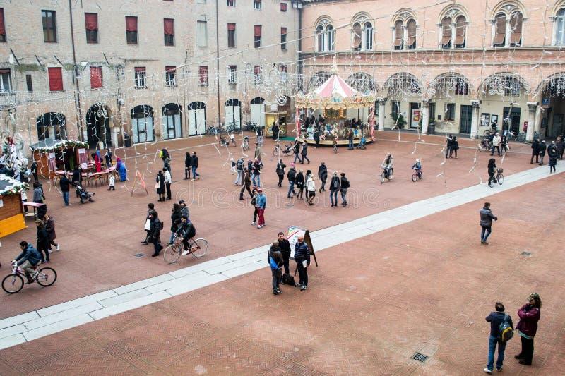 De mensen lopen in ferrara royalty-vrije stock fotografie