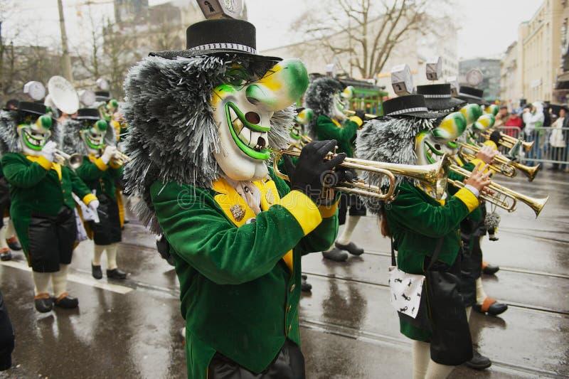 De mensen nemen aan Bazel Carnaval in Bazel, Zwitserland deel royalty-vrije stock afbeelding