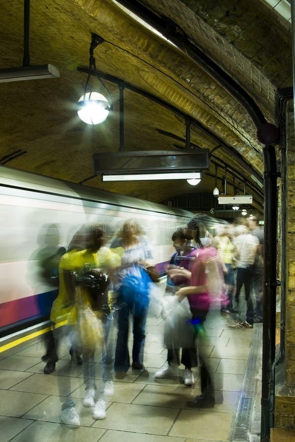 De mensen van B?urred in metro stock fotografie