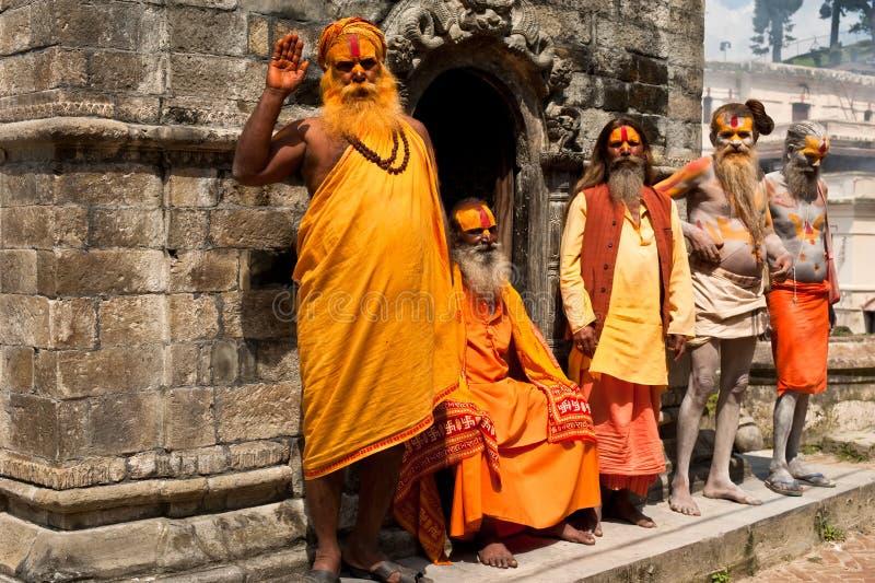 De mensen van Sadhu, die in Tempel Pashupatinath zegenen stock foto