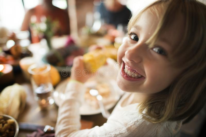 De mensen vieren Thanksgiving day stock fotografie