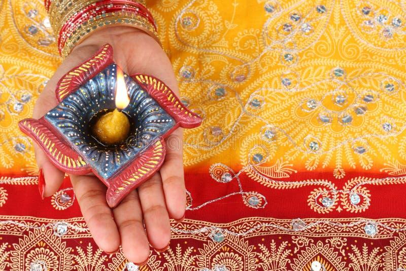 De met de hand gemaakte Lamp van Diwali Diya