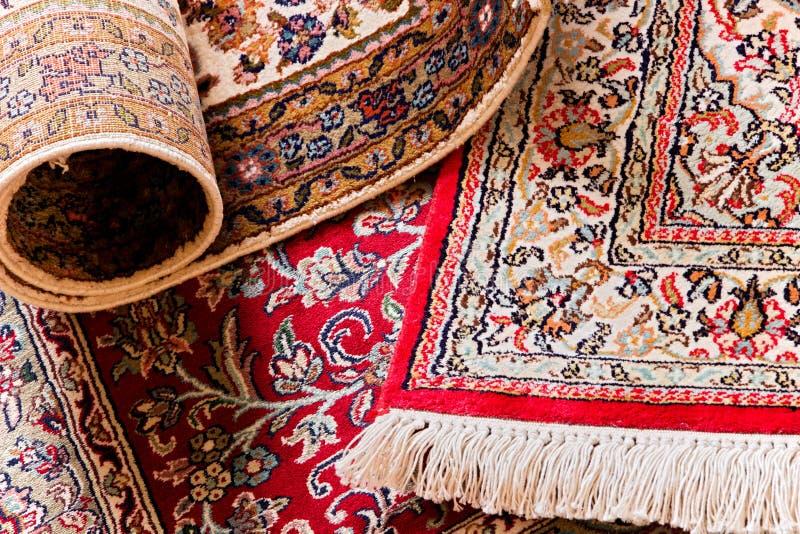 de met de hand gemaakte tapijten van de kashmilzijde stock fotografie