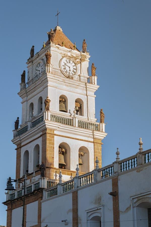 De Metropolitaanse Kathedraal van de Sucrekathedraal van Sucre op Plein 25 het vierkant van DE Mayo in Sucre, Bolivië royalty-vrije stock foto