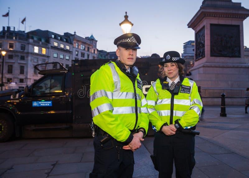 De Metropolitaanse Politiemannen van Londen in Trafalgar Square royalty-vrije stock afbeeldingen