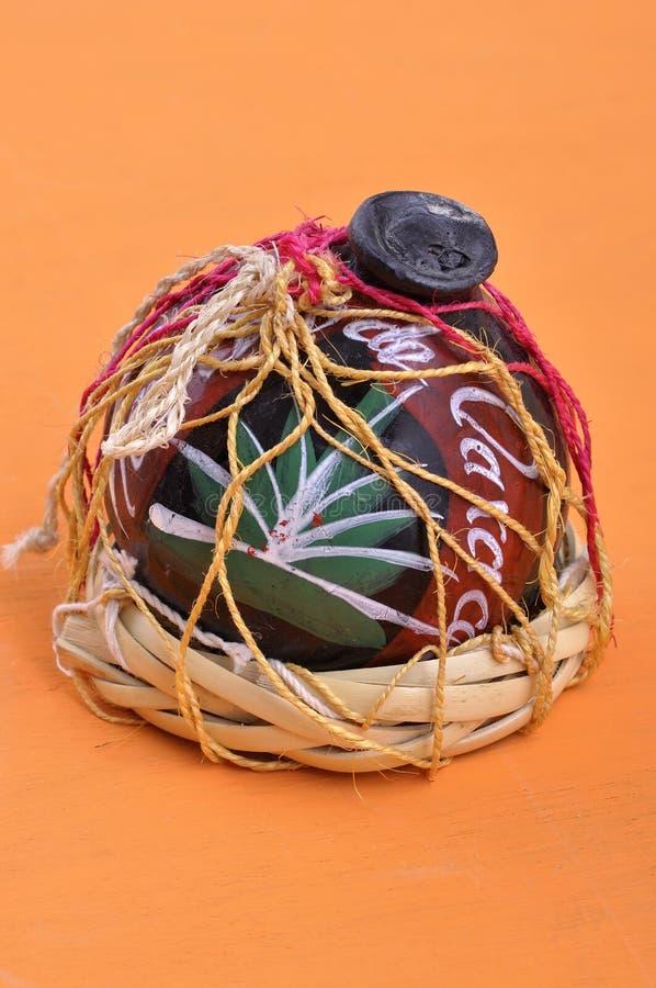 De mezcal container van de Oaxacaklei royalty-vrije stock afbeeldingen