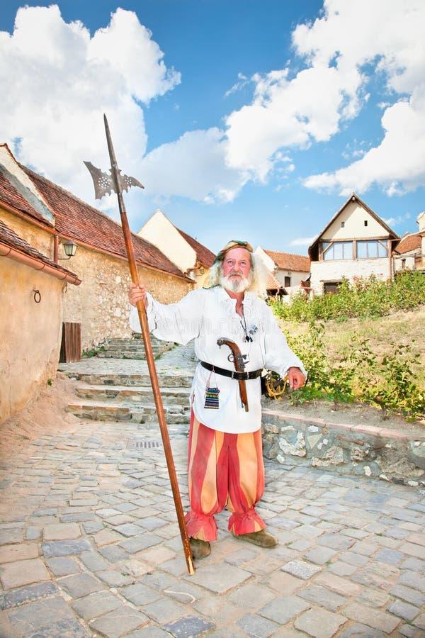 De middeleeuwse Duitse Teutonic ridder. Rasnov, Roemenië. stock afbeeldingen