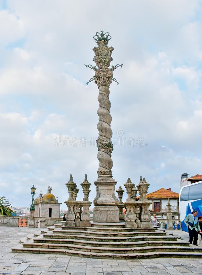 De middeleeuwse Pillory Kolom in Porto stock foto
