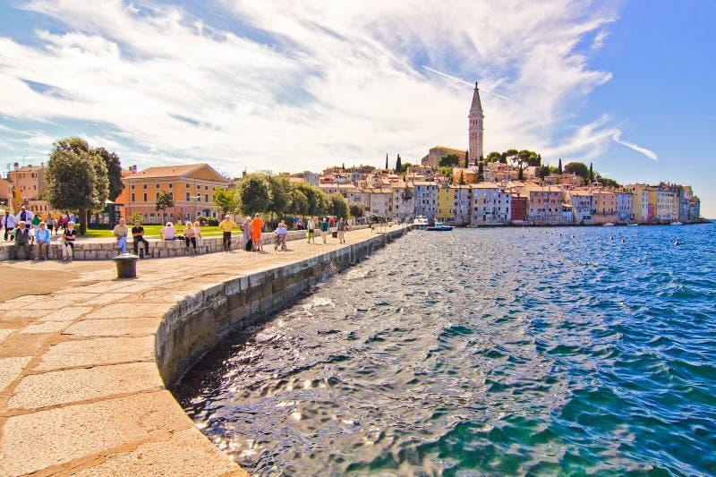 De middeleeuwse stad Rovini, Kroatië in de zomer stock fotografie