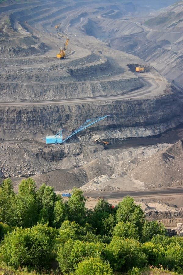 De mijn van de open-steenkool stock afbeeldingen