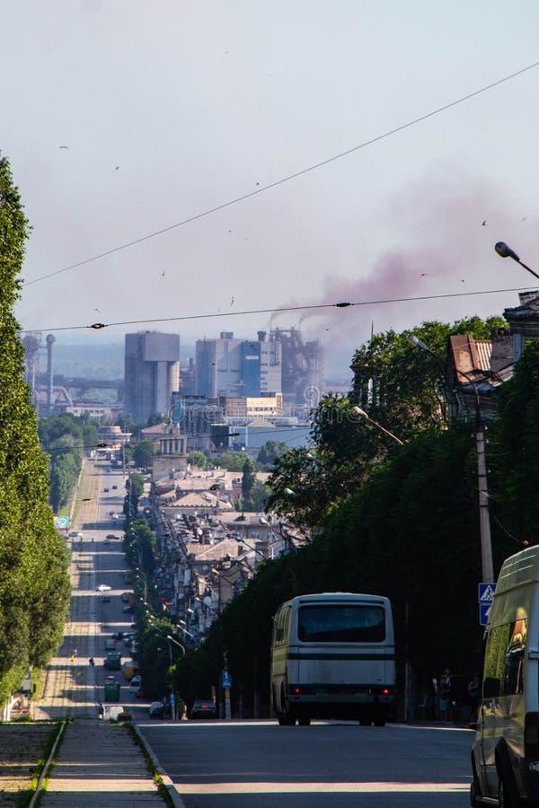 De milieusituatie van steden is moeilijk stock afbeeldingen