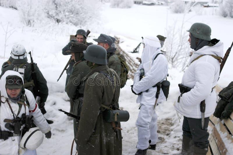 De militair-historische wederopbouw de 'Doorbraak van de blokkade van Leningrad op het gebied van Nevskaya Dubrovka 'was gehouden royalty-vrije stock foto's