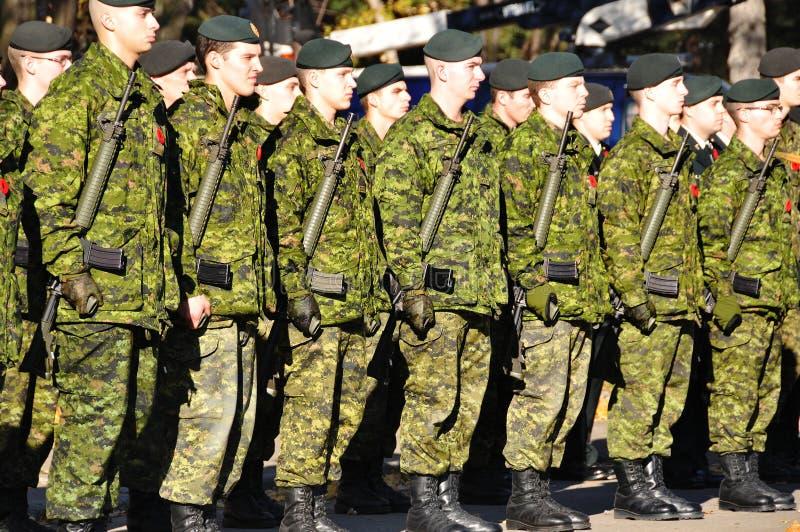 De militairen van Canadezen royalty-vrije stock afbeeldingen