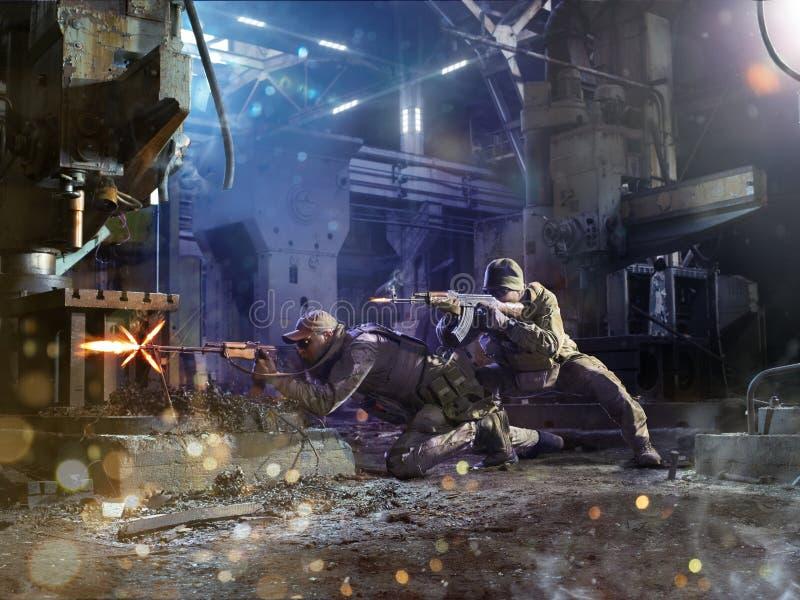 De militairen van Spesialkrachten attaks de vijand stock fotografie