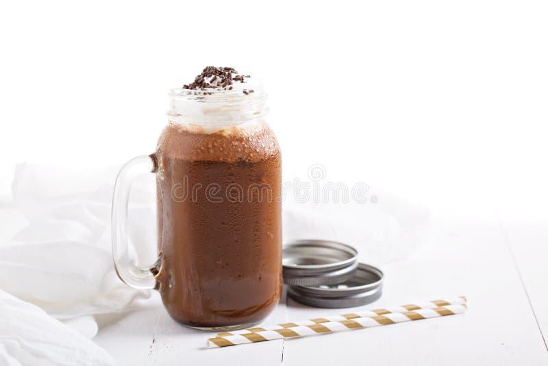 De milkshake van de chocoladekoffie met slagroom royalty-vrije stock foto's