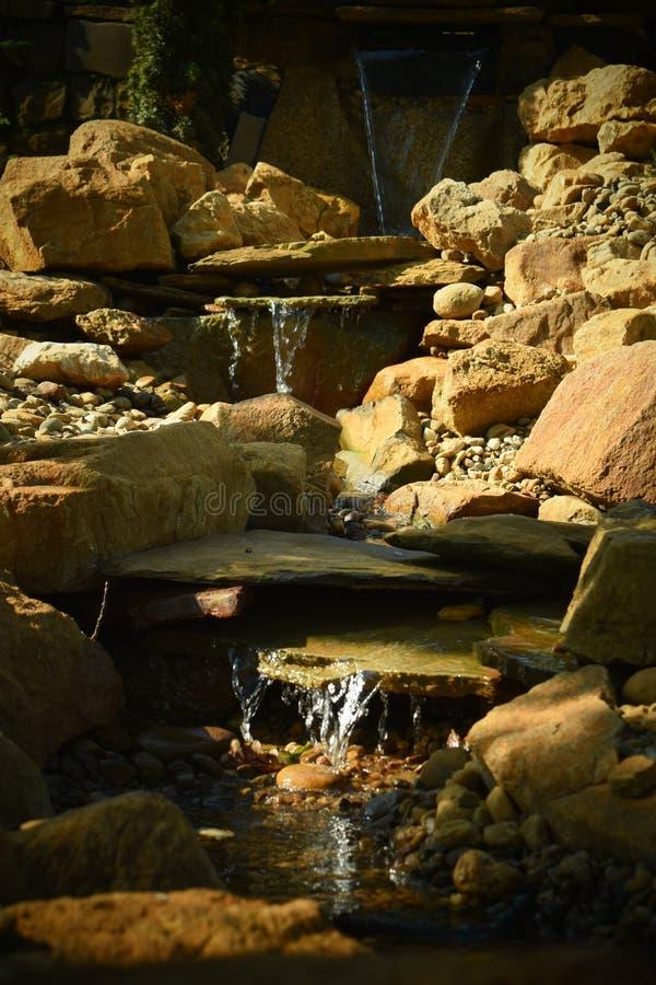 De miniatuurwaterval stock afbeeldingen