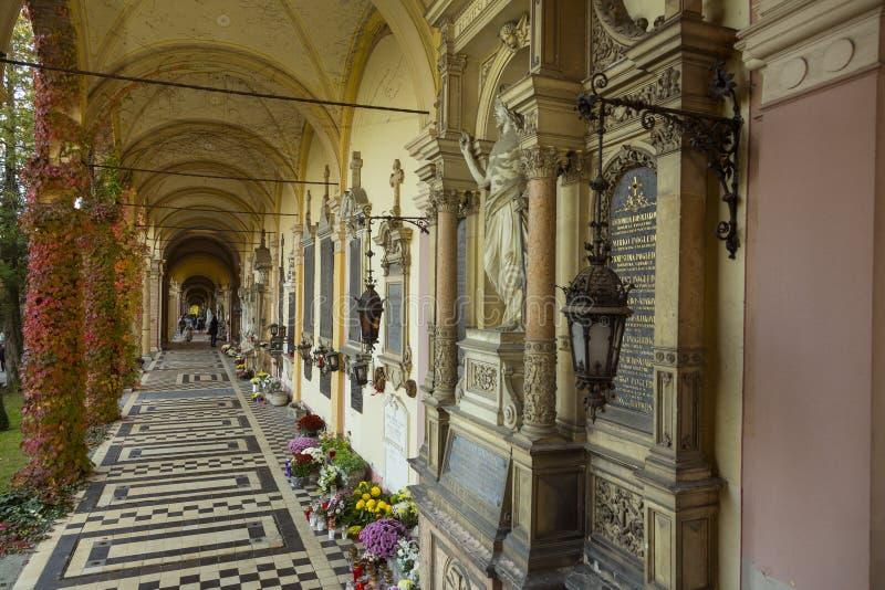 De Mirogoj-Begraafplaats in Zagreb, Kroatië royalty-vrije stock foto