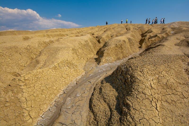 De modderige vulkaan in Buzau-provincie Roemenië - Paclele mici stock fotografie