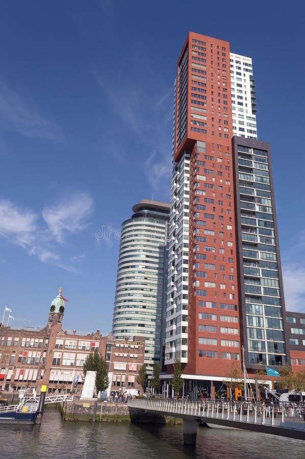 De moderne bouw en brug dichtbij hotel New York royalty-vrije stock foto's