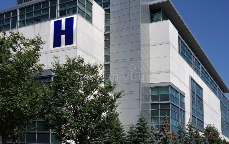 De moderne bouw van het Ziekenhuis royalty-vrije stock foto's