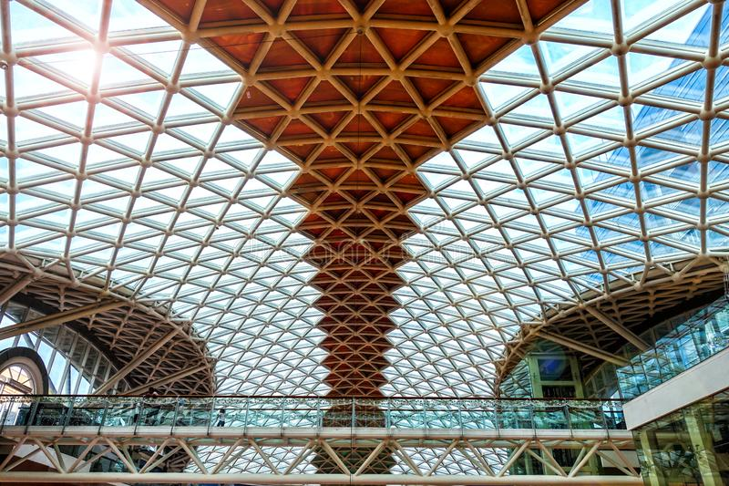 De moderne bouwwerf van de het dakstructuur van het architectuurglas stock foto