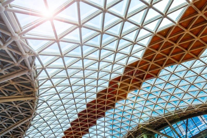 De moderne bouwwerf van de het dakstructuur van het architectuurglas stock foto's