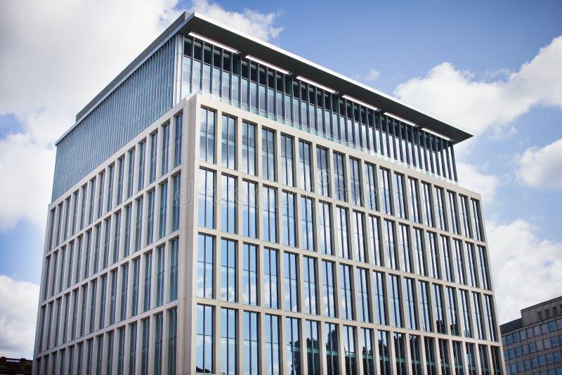 De moderne Bureaubouw Centraal Manchester, het UK stock afbeeldingen