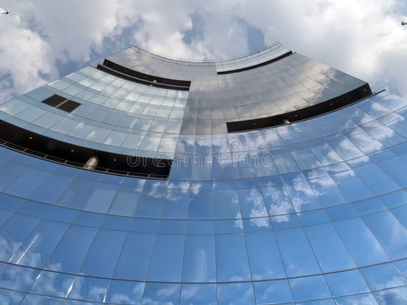 De moderne collectieve bouw in Tallinn Estland royalty-vrije stock fotografie