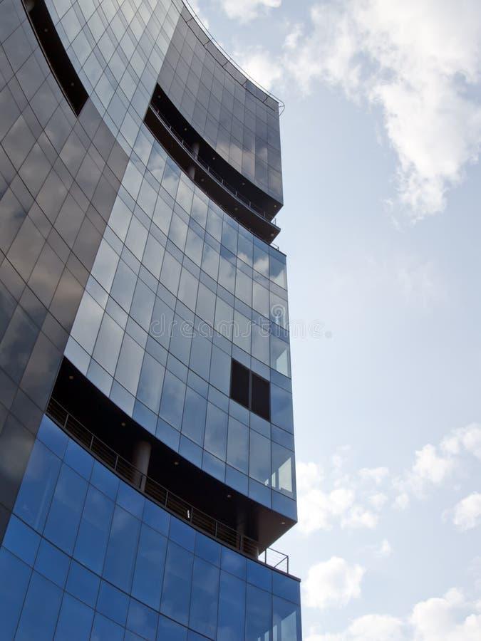 De moderne collectieve bouw in Tallinn Estland royalty-vrije stock afbeeldingen