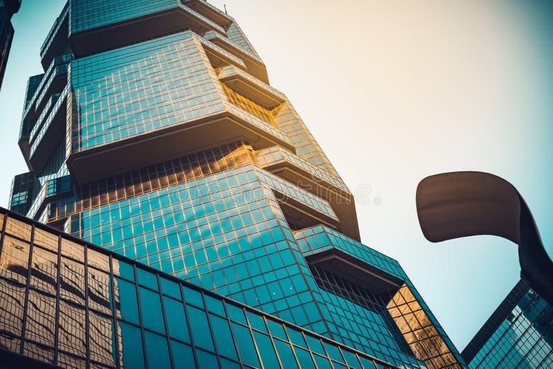 De moderne commerciële bouw dicht tot venster stock afbeelding