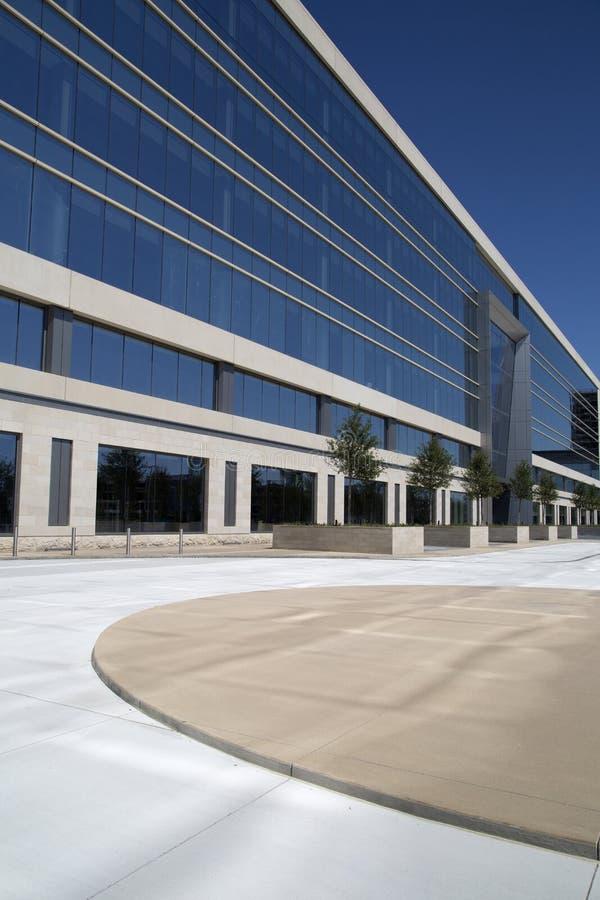 De moderne Dallas Cowboys-bouw van het hoofdkwartierbureau royalty-vrije stock afbeeldingen