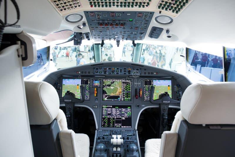 De moderne mening van de bedrijfs straalglascockpit stock afbeelding