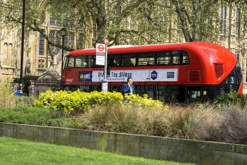 De moderne Rode Bus van Londen royalty-vrije stock foto