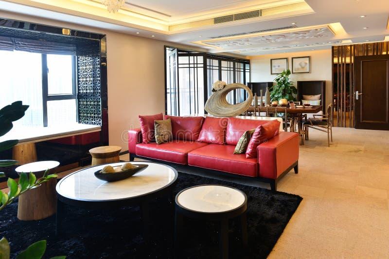 De moderne ruimte van de luxewoonkamer stock afbeeldingen