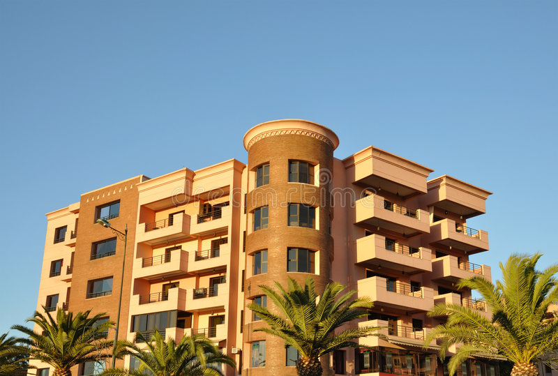 De moderne stedelijke bouw in Marrakech royalty-vrije stock foto