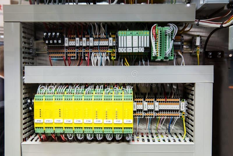 De modules van het veiligheidsrelais stock afbeeldingen