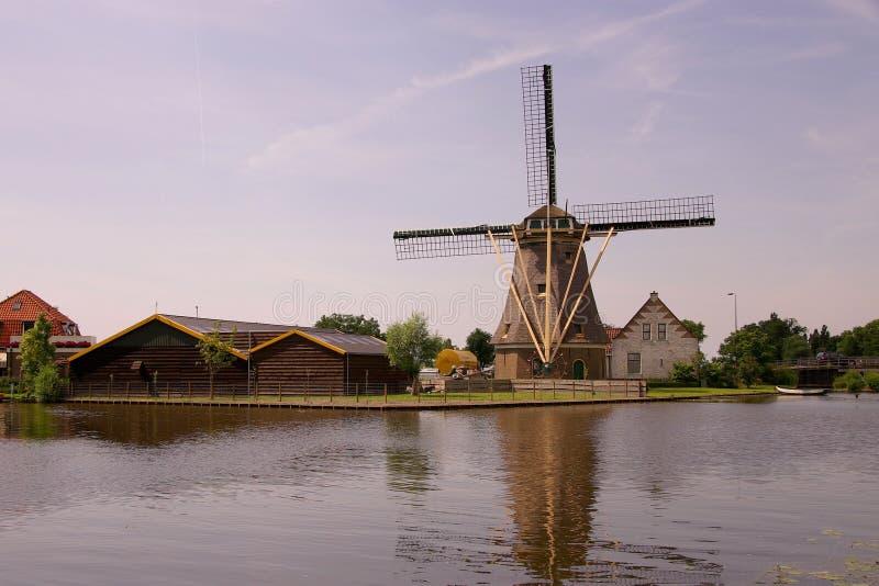 De molen van de wind royalty-vrije stock fotografie