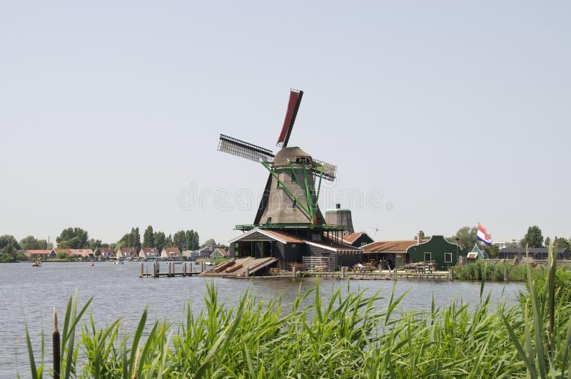 De molen van de wind in Zaanse Schans royalty-vrije stock afbeelding
