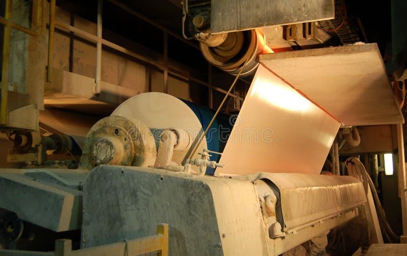 De molen van het papier en van de pulp royalty-vrije stock afbeelding