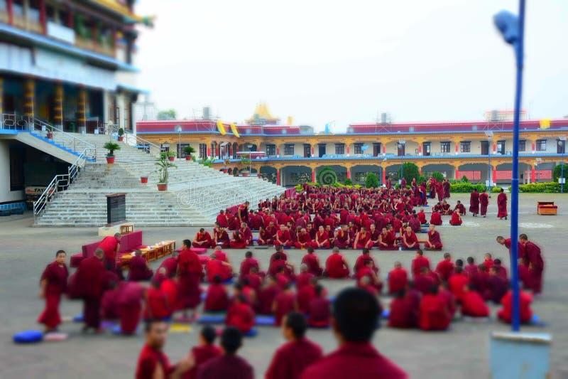 De monnik Meeting van Tibet voor examen royalty-vrije stock foto