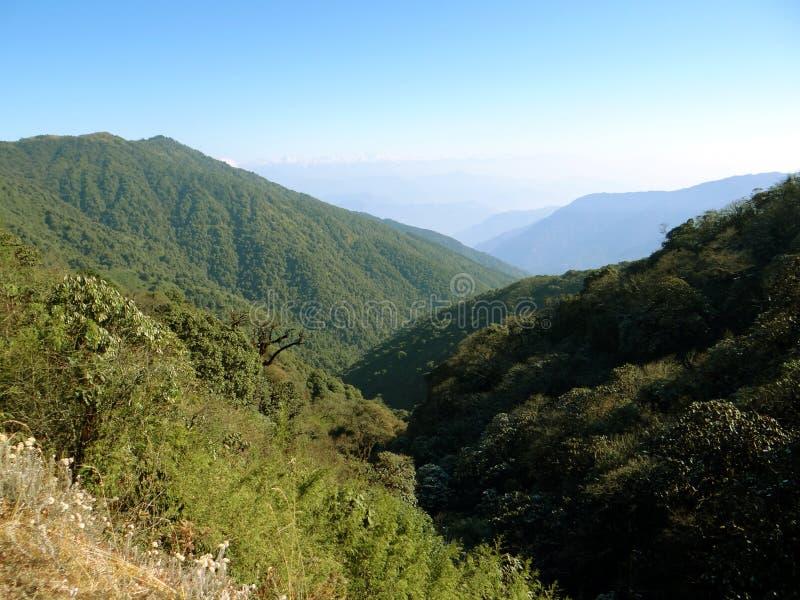 De mooie bergen van Himalayagebergte stock foto's