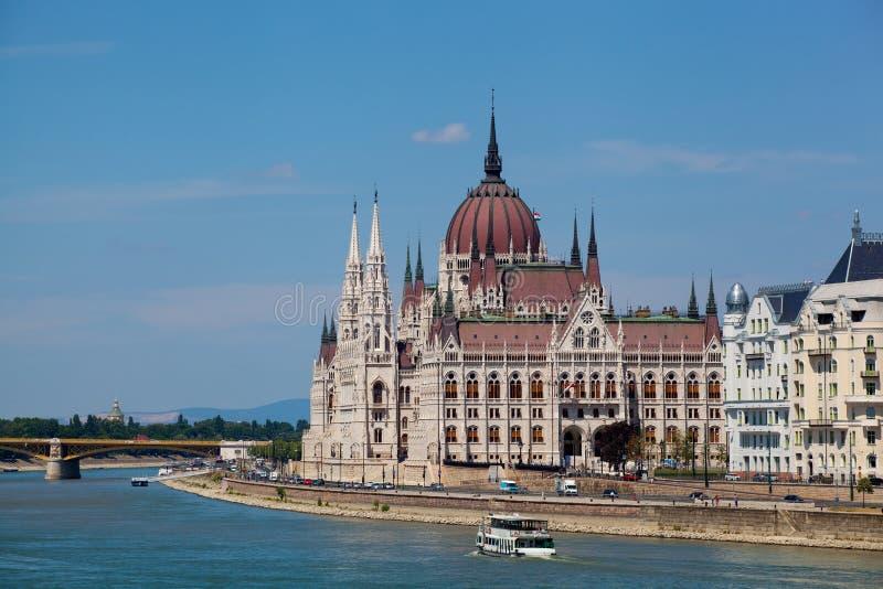 De mooie bouw van het Parlement in Boedapest, Hongarije royalty-vrije stock afbeelding
