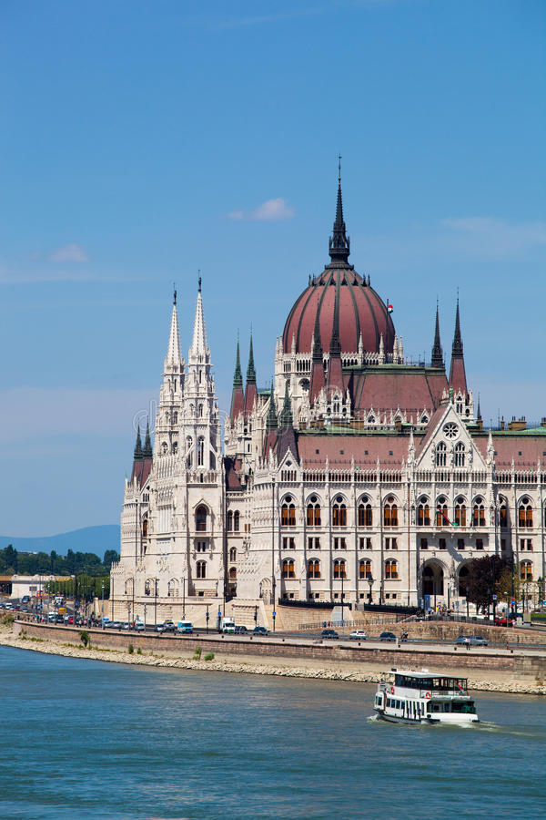 De mooie bouw van het Parlement in Boedapest, Hongarije stock fotografie