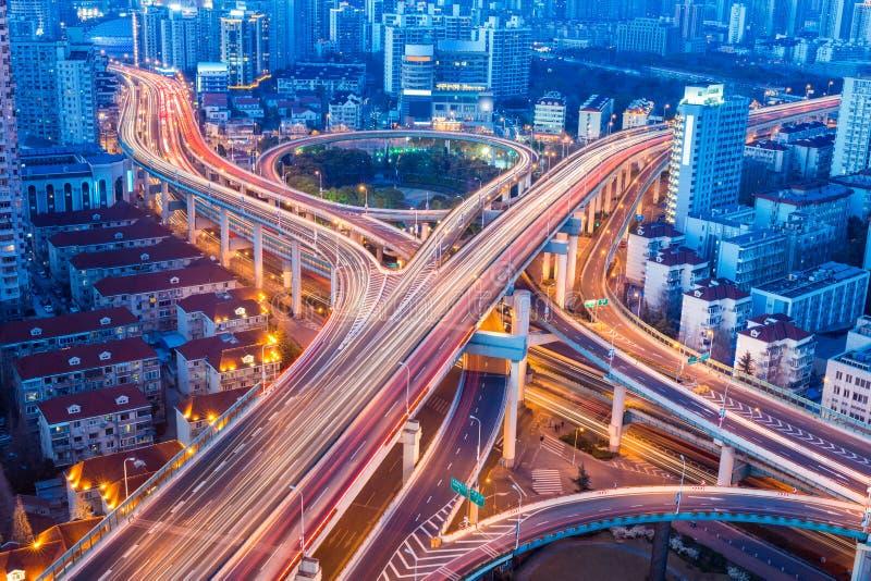 De mooie close-up van de stadsuitwisseling in Shanghai stock afbeeldingen