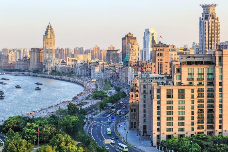 De mooie dijk van Shanghai bij schemer royalty-vrije stock fotografie