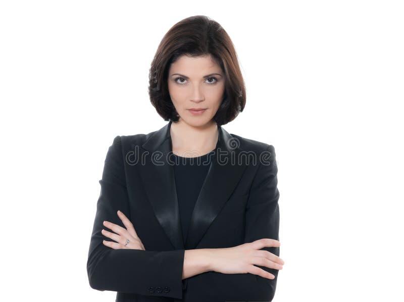 De mooie ernstige Kaukasische gekruiste wapens van het bedrijfsvrouwenportret stock foto's