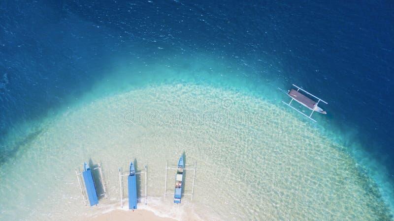 De mooie Gili Kedis-boten van de eiland traditionele toerist stock afbeelding