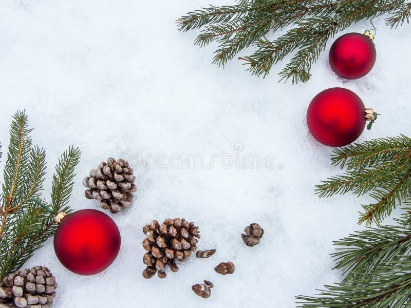 De mooie grens van Kerstmisdecoratie met exemplaar-ruimte stock afbeeldingen