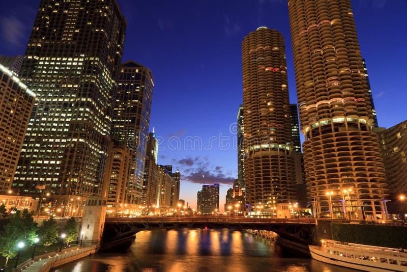 De mooie Horizon van de Nacht van Chicago stock foto's