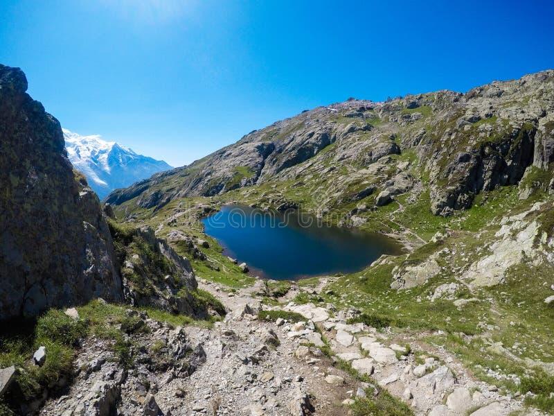 De mooie Lak Blanc van Chamonix-gebied stock afbeelding
